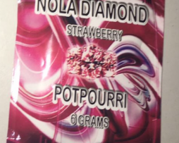 nola-diamond-strawberry